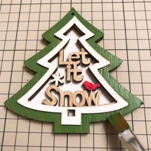 クリスマスリースと壁飾りを手作りで作る手順の画像