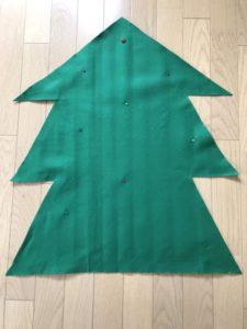 フェルトでクリスマスツリーを作る手順の画像