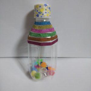 ペットボトルで赤ちゃんのガラガラを手作りする手順画像