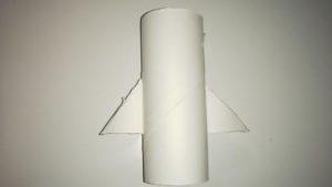 トイレットペーパーの芯でロケットを作る作り方の手順画像